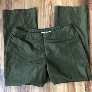 Nike Athletic Outdoor Olive Green Cropped Pants